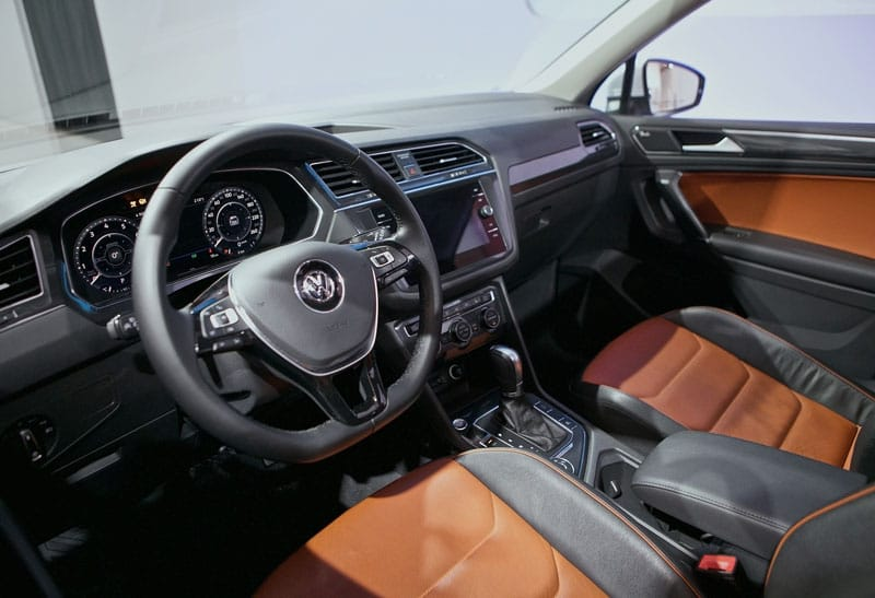 2018 volkswagen tiguan interior. modren tiguan 2018 vw tiguan at mississauga volkswagen in toronto and the gta with volkswagen tiguan interior g